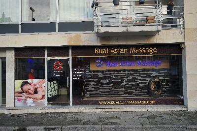vrouwen uitkleden gay massage den haag